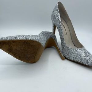 JEFFREY CAMPBELL Last Ibiza Silver Floral Embossed Heels Size 7.5 Pointed Toe
